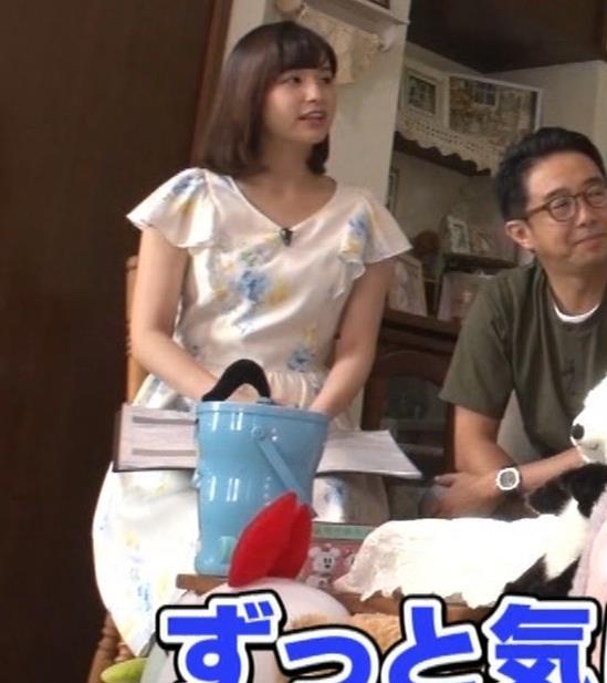 角谷暁子アナ 横乳&ちょいワキちら!かなり巨乳みたいですキャプ・エロ画像4