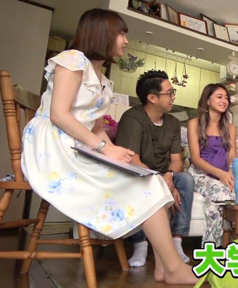 角谷暁子アナ 横乳&ちょいワキちら!かなり巨乳みたいですキャプ・エロ画像6