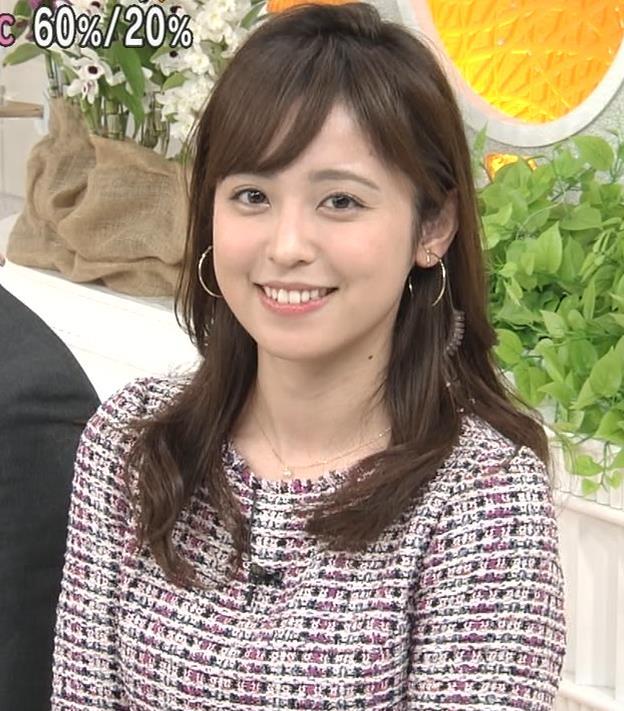 久慈暁子アナ スカートが短くて太ももチラリキャプ・エロ画像6