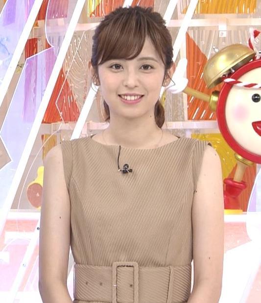 久慈暁子アナ 裸に見えそうな色のワンピースキャプ・エロ画像