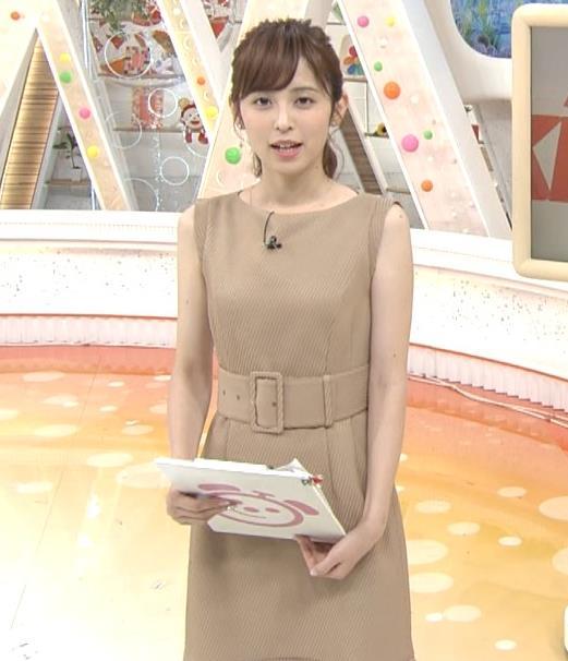 久慈暁子アナ 裸に見えそうな色のワンピースキャプ・エロ画像4