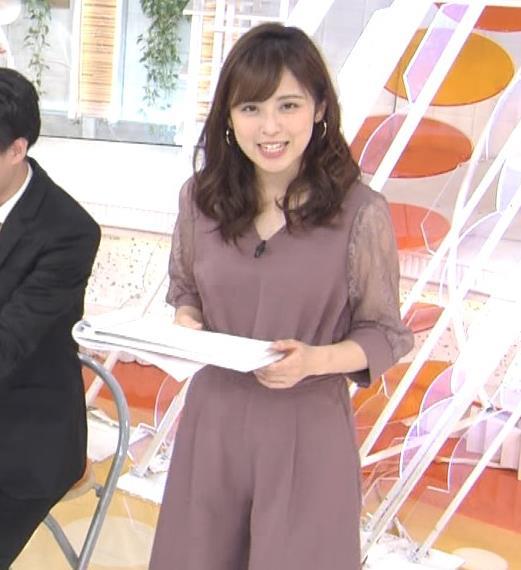 久慈暁子アナ 一応、透けた衣装キャプ・エロ画像4
