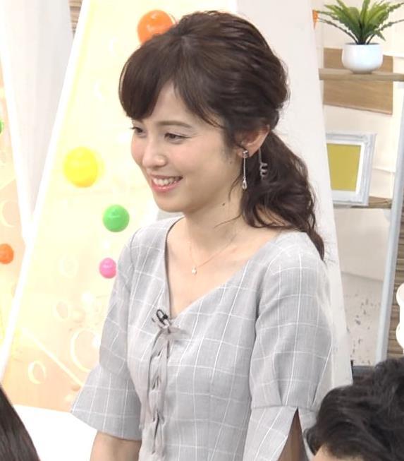 久慈暁子アナ 胸元がちょっと見えてエロい!!キャプ・エロ画像5