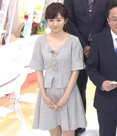 久慈暁子アナ 胸元がちょっと見えてエロい!!キャプ・エロ画像7