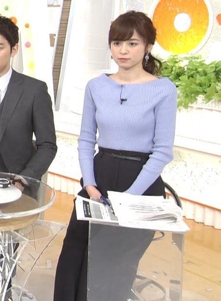 久慈暁子アナ 肩が露出気味のニットキャプ・エロ画像4