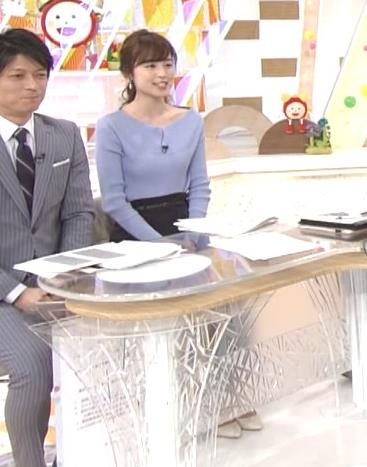 久慈暁子アナ 肩が露出気味のニットキャプ・エロ画像5