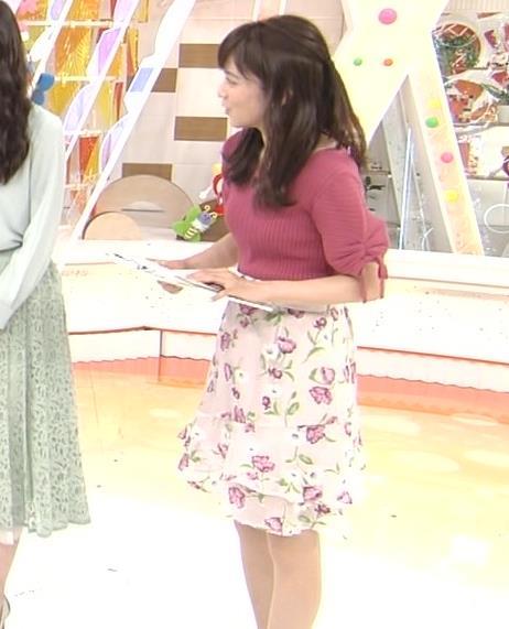 久慈暁子アナ エロかわいいニットおっぱいキャプ・エロ画像7