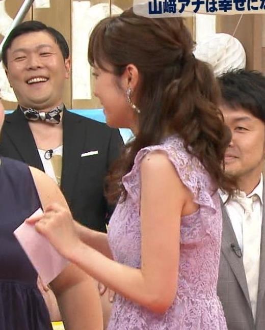 久慈暁子 横乳が結構エロいキャプ画像(エロ・アイコラ画像)