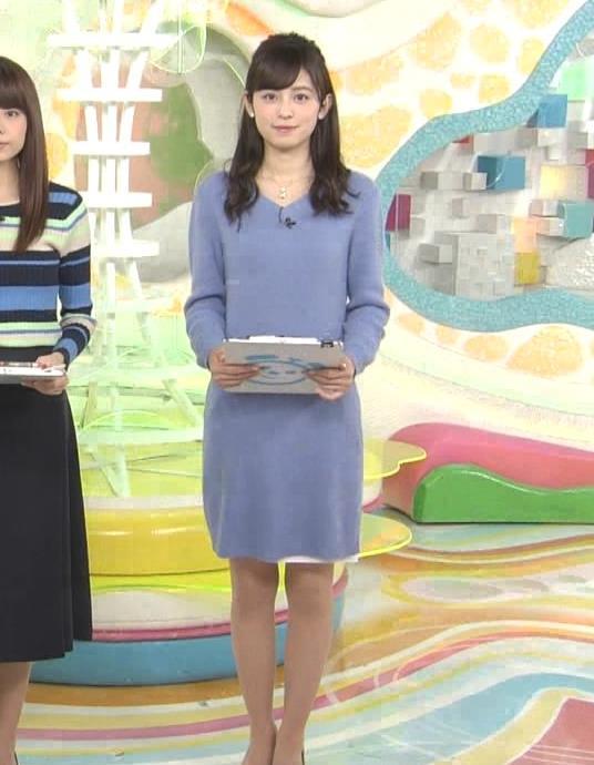 久慈暁子アナ ミニスカワンピの美脚生足キャプ・エロ画像2