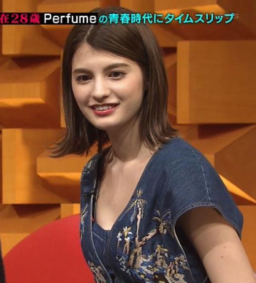 マギー 胸元見せ衣装キャプ画像(エロ・アイコラ画像)