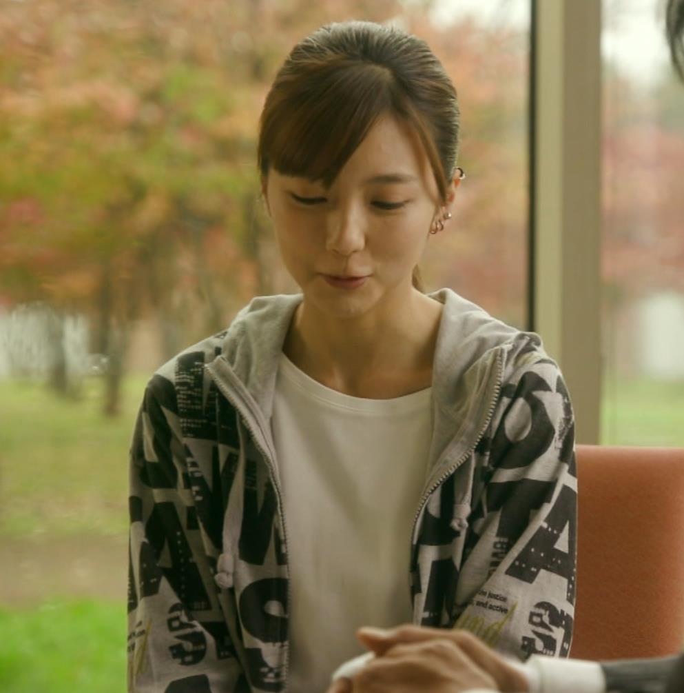 真野恵里菜 Tシャツおっぱいがエロい 「相棒」キャプ・エロ画像11