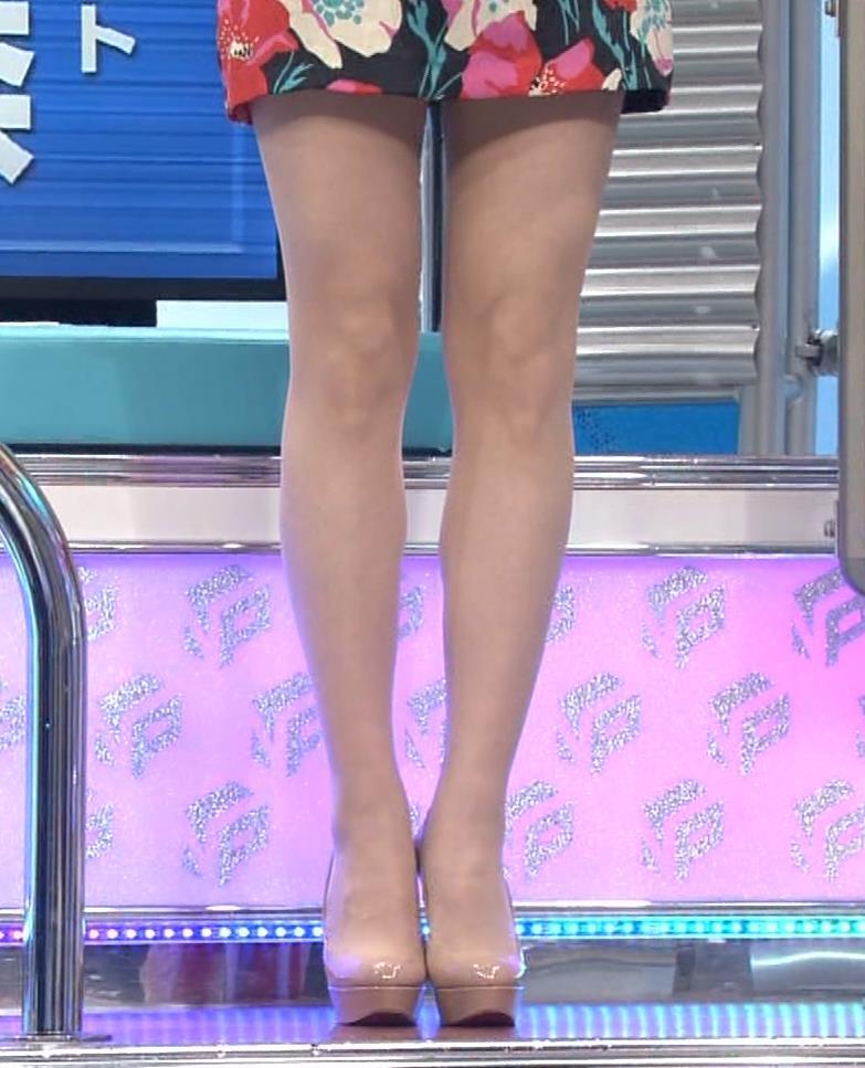 丸田佳奈 美人女医さん、スカートが短すぎるキャプ・エロ画像5