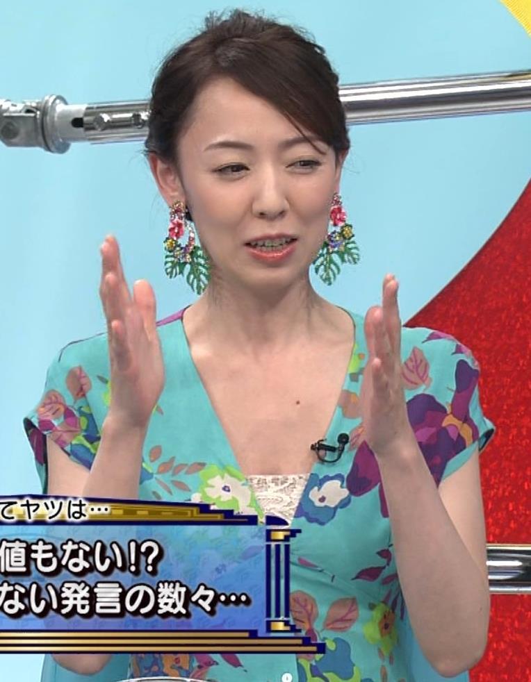 丸田佳奈 美人女医さんが胸の谷間をチラチラキャプ・エロ画像9