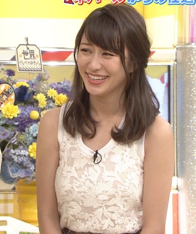 桝田絵理奈 前かがみでちょっと胸チラ&巨乳ノースリーブキャプ・エロ画像15