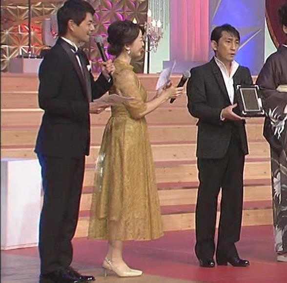 松丸友紀アナ エロく巨乳が目立つ衣装キャプ・エロ画像12