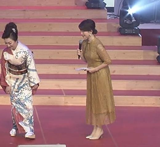 松丸友紀アナ エロく巨乳が目立つ衣装キャプ・エロ画像5