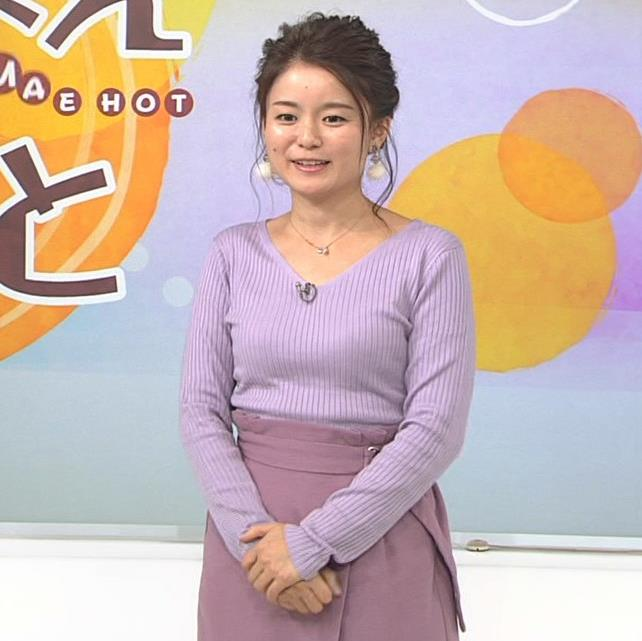 松尾衣里子 ニット乳とスカートのスリットがエロいキャプ・エロ画像