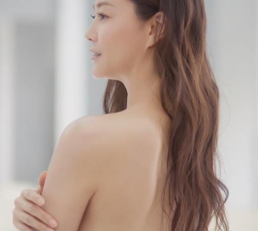 観月ありさ 裸になってるCMキャプ画像(エロ・アイコラ画像)