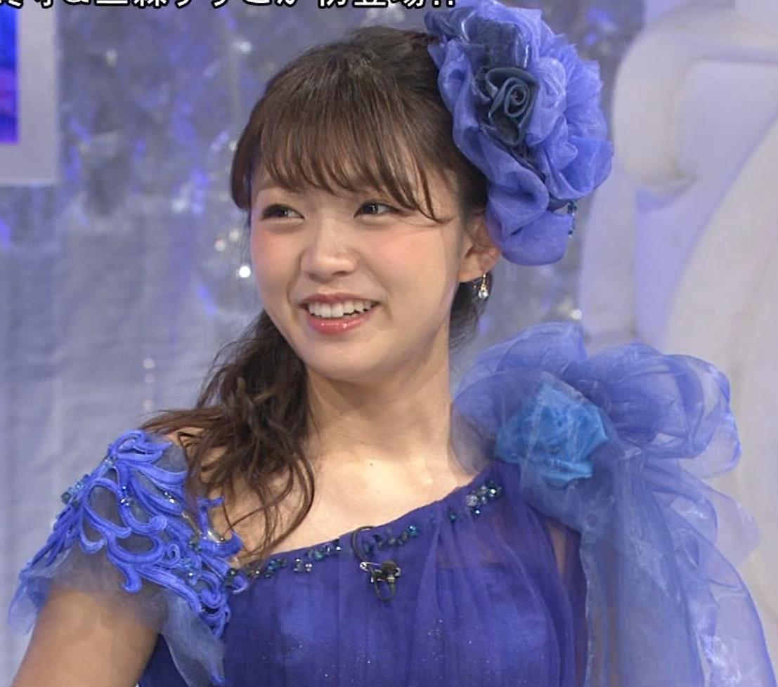 三森すずこ 美人声優のミニスカ美脚キャプ・エロ画像4