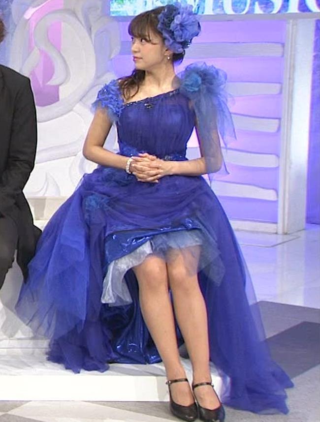 三森すずこ 美人声優のミニスカ美脚キャプ・エロ画像6