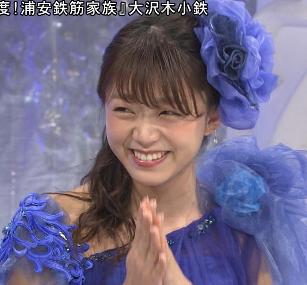 三森すずこ 美人声優のミニスカ美脚キャプ・エロ画像10