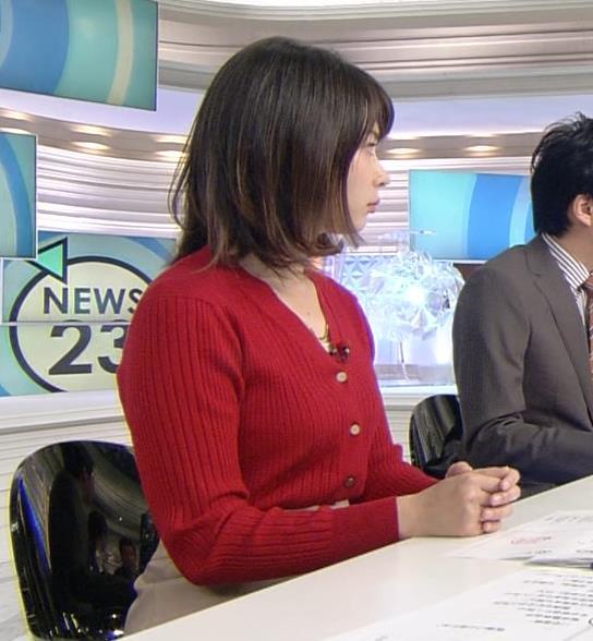 皆川玲奈アナ カーディガンおっぱいキャプ・エロ画像