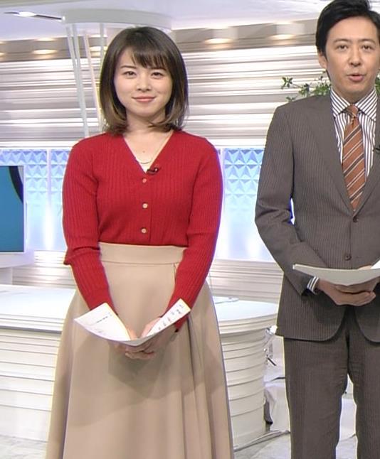 皆川玲奈アナ カーディガンおっぱいキャプ・エロ画像4