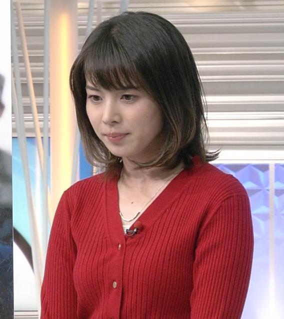皆川玲奈アナ カーディガンおっぱいキャプ・エロ画像6