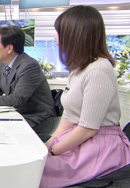 皆川玲奈アナ おっぱいが大きくなってる!?キャプ・エロ画像6