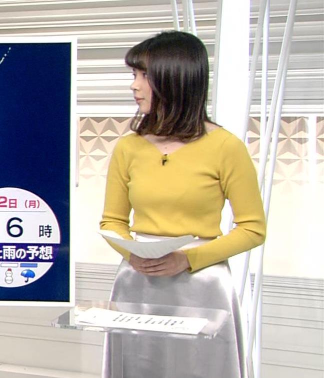 皆川玲奈アナ ニットおっぱい♡ブラが少し透けてる・キャプ・エロ画像4