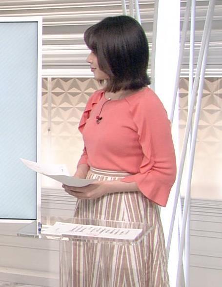 皆川玲奈アナ おっぱいがエロい服キャプ・エロ画像3