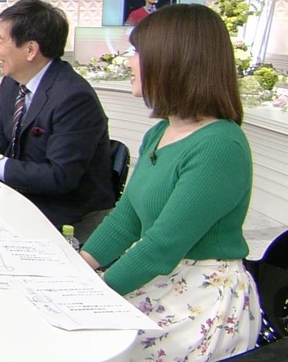 皆川玲奈アナ ちょっとムチムチしてきたニット乳キャプ・エロ画像3