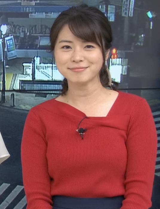 皆川玲奈アナ ニット巨乳キャプ・エロ画像8