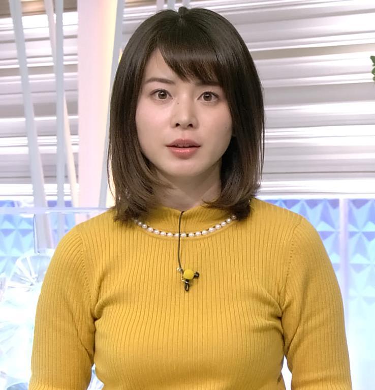 皆川玲奈アナ ニット横乳がエロいキャプ・エロ画像3