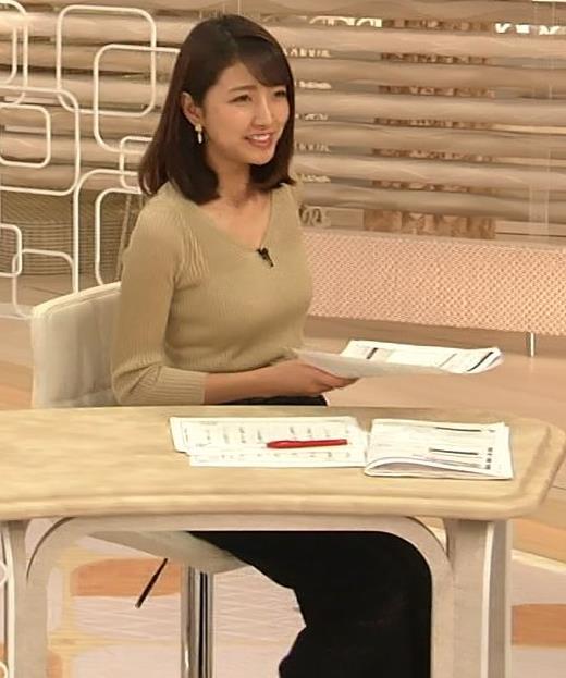 三田友梨佳アナ エッチなニットおっぱいキャプ・エロ画像9