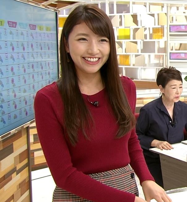 三田友梨佳アナ ぴったりニットキャプ・エロ画像4
