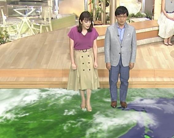 三谷紬アナ ガッツリ胸ちら!ズームで撮って欲しかった…キャプ・エロ画像3