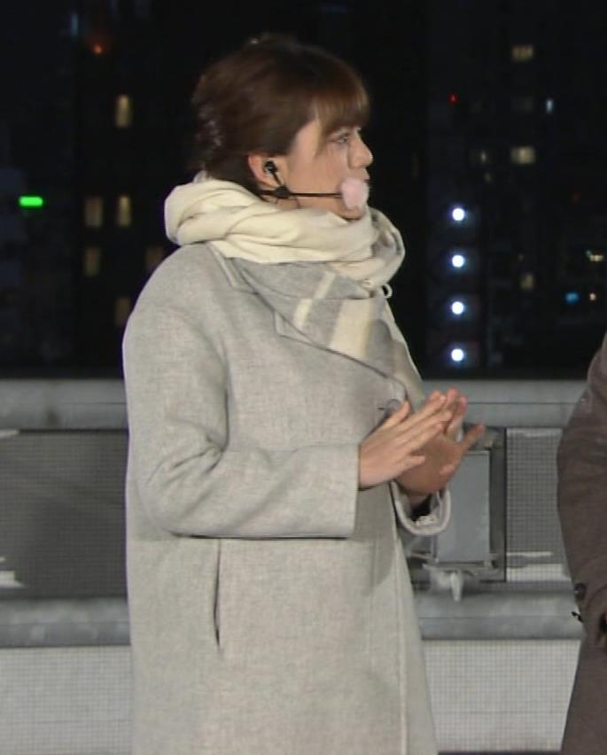 三谷紬アナ 超厚着なのか、太いのか…。キャプ・エロ画像3