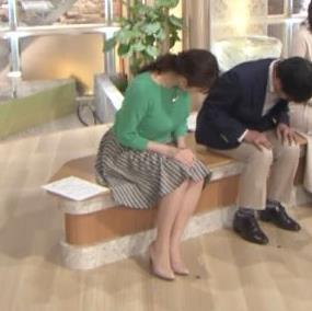 アナ ミニスカ美脚がなんかエロいキャプ・エロ画像7