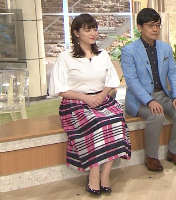 三谷紬アナ 乳がデカくて服がパツパツキャプ・エロ画像12