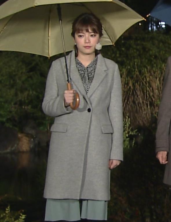 三谷紬アナ おっぱいでパツパツのシャツキャプ・エロ画像6