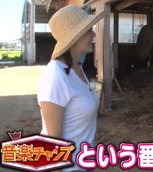 三谷紬アナ 爆乳アナのエロエロTシャツ姿キャプ・エロ画像4