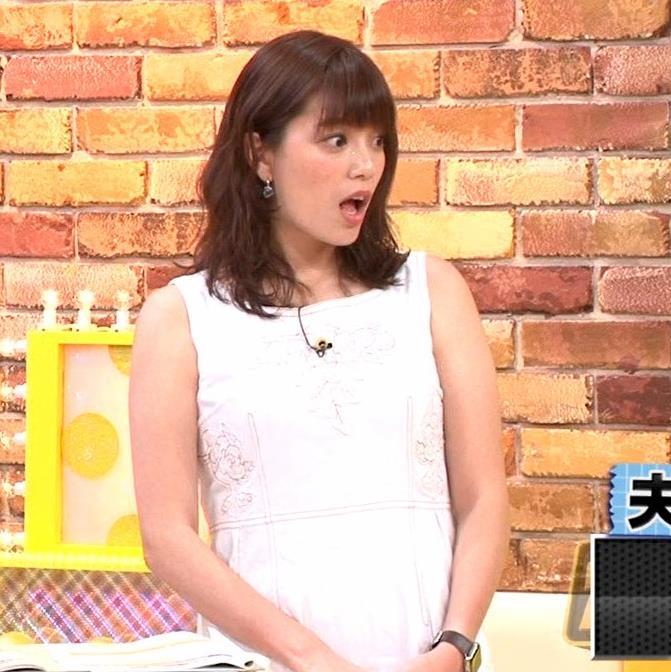 三谷紬アナ ムチムチなノースリーブ二の腕キャプ・エロ画像2