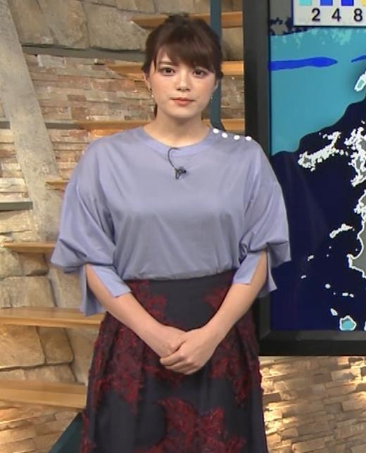 三谷紬アナ どうしても巨乳が目立ってしまうキャプ・エロ画像8