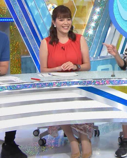 三谷紬アナ ムチムチ、ノースリーブキャプ・エロ画像2