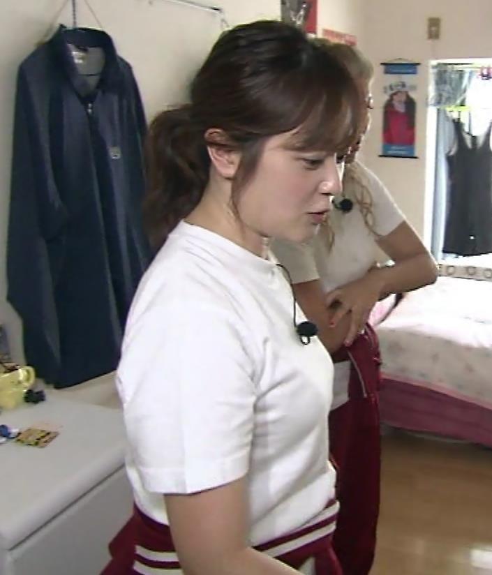 水卜麻美アナ Tシャツ横乳キャプ・エロ画像5