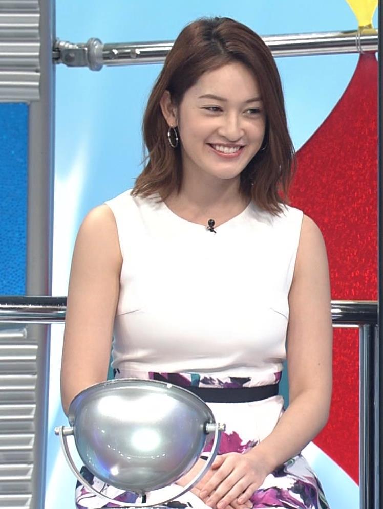 宮沢セイラ 巨乳がパツパツのノースリーブキャプ・エロ画像