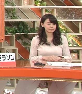 宮澤智アナ 盛っているのかデカくなったのか、ちっと横乳がエロいキャプ・エロ画像