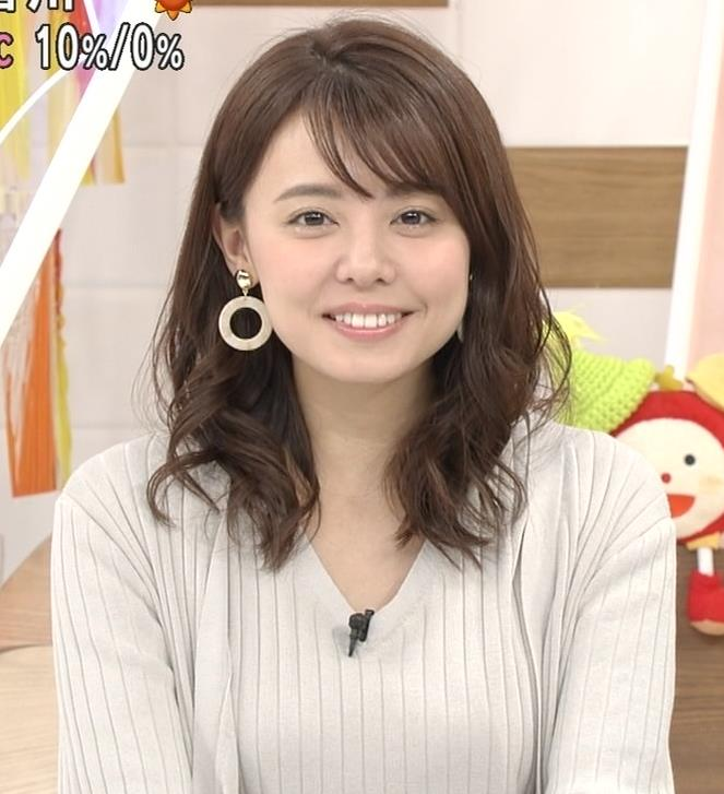 宮澤智アナ セクシーなニットおっぱいキャプ・エロ画像12