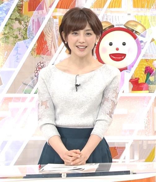 宮司愛海アナ 鎖骨露出!腕透け、乳寄せキャプ・エロ画像4
